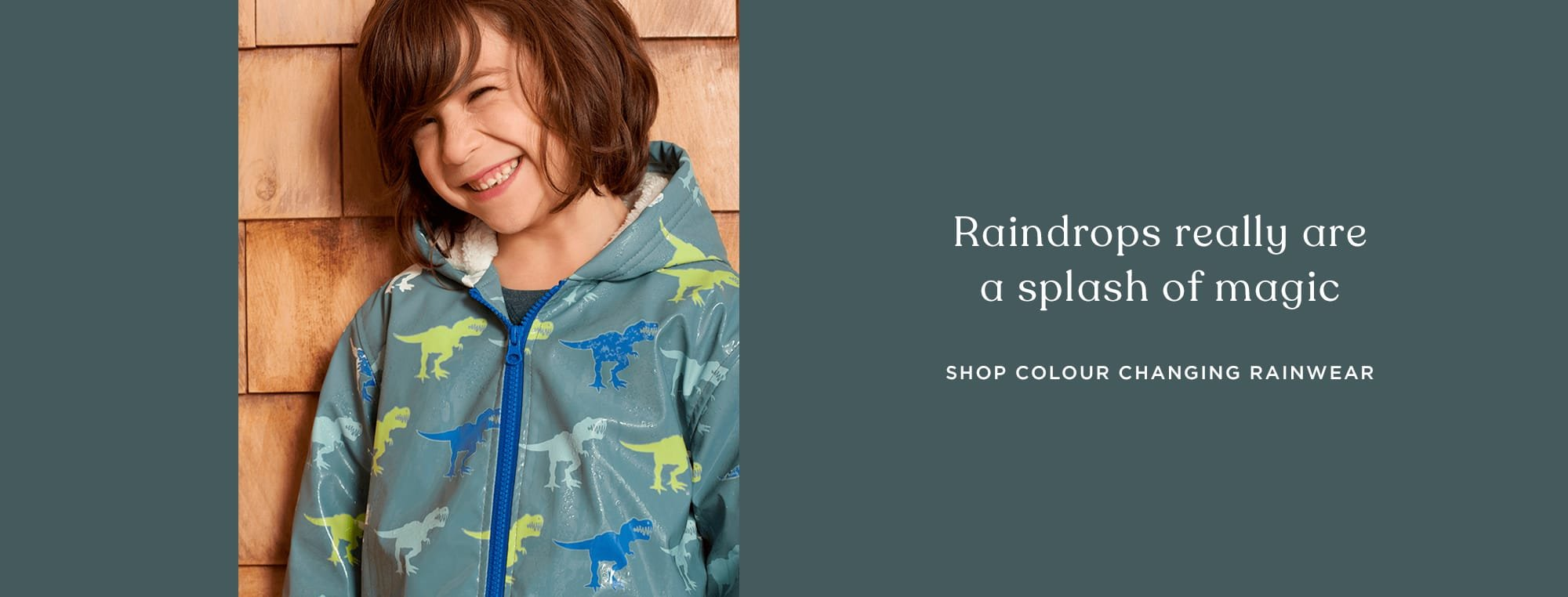 Colour changing rainwear