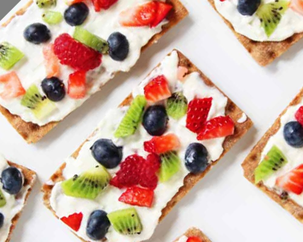 Fruit pizza crackers? Yes, please! - Recipe by Homemade Ginger